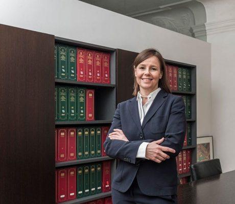 DR. Karin Runggaldier | Wirtschaftsprüfer und Steuerberater